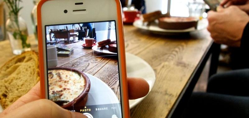 ¿Con hambre? Facebook te ayuda a pedir delivery